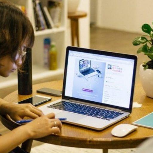 cropped-cropped-desk1.jpg